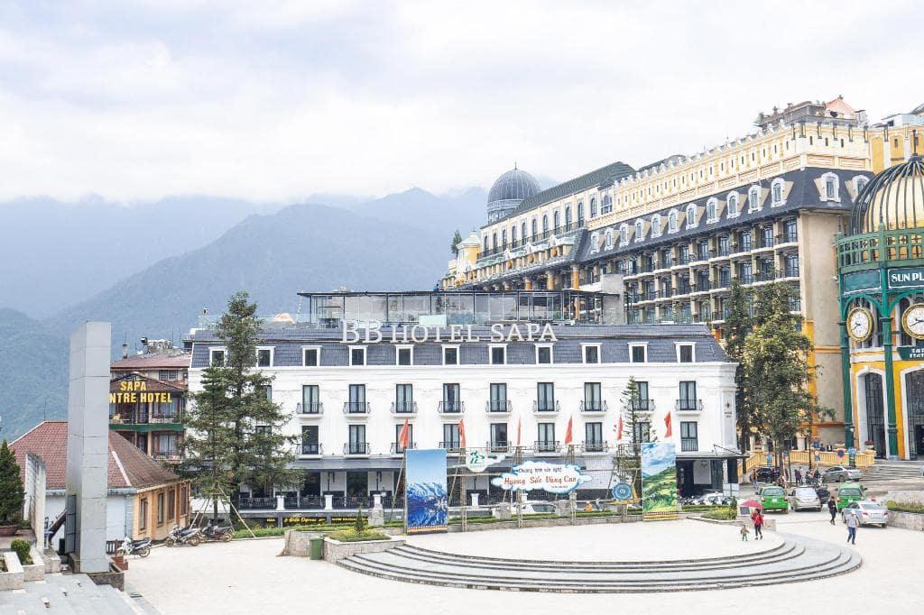 khách sạn ở sapa gần nhà thờ đá