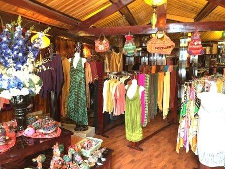 Shop Đồ Thủ Công Ở Sapa