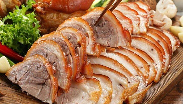 Thịt lợn mán thui luộc